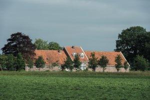 Middenhuisboerderij in Veenhuizen NL, James van Leuven